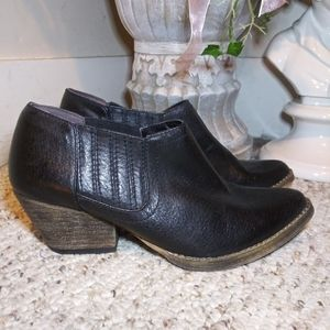 NWOT Very Volatile Canton Blk Western Ankle Boot